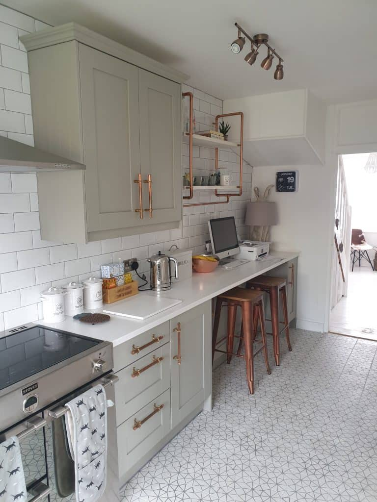 A small kitchen renovation featuring our painted oak shaker door in pale grey